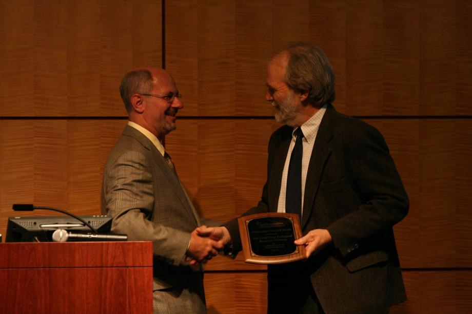 Phil Robertson accepts award