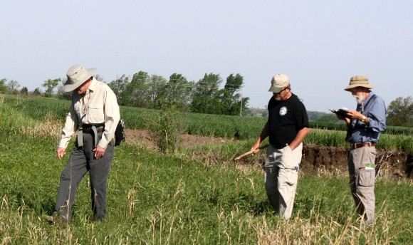 Plant hunters of the Konza Prairie